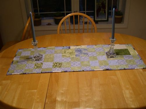 New table runner 001